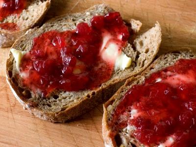 Lingonberrybread_1